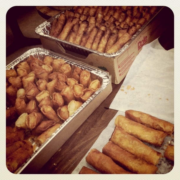 elleaybee :     Lumpia on lumpia at the Blue Scholars show. (Taken with  instagram )