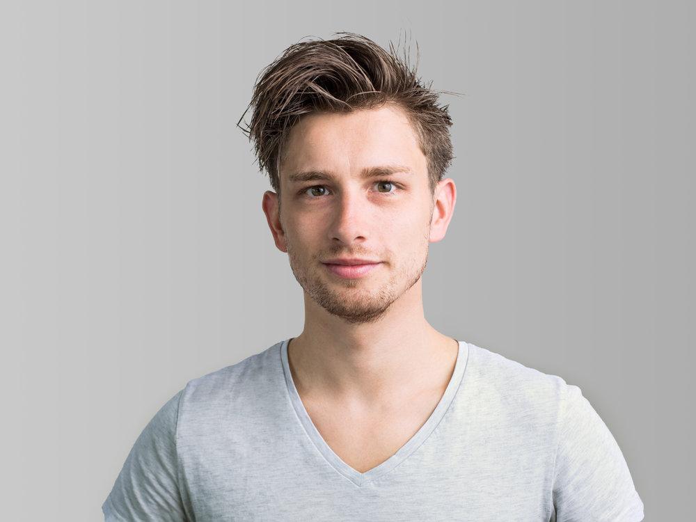 Christoph Kottmann - Planung und Postproduktion–/Abschluss der Meisterprüfung im Fotografenhandwerk/Ausbildung zum Fotografengesellen