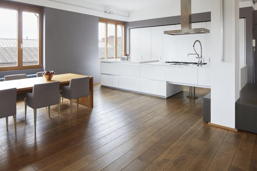 New Yorker Loft_kitchen_seating_essen_shschroeder.jpg