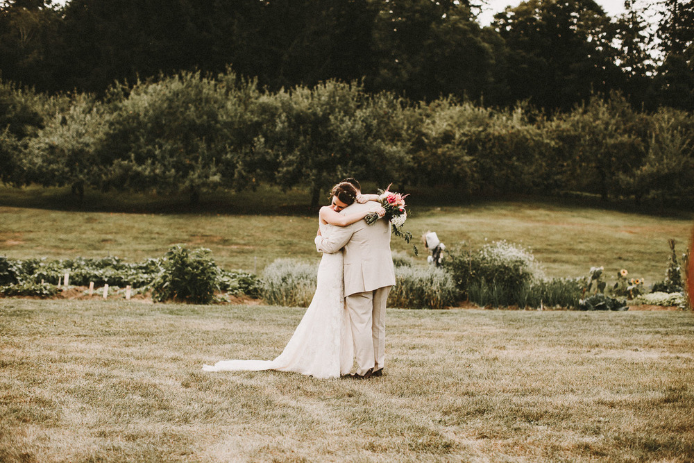 Sweet Wedding Photos - Vermont Wedding Photographer