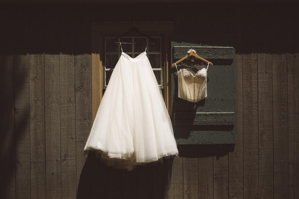 Waterloo-Village-Wedding-Photographer-Ethereal-Elegant-Woodsy-18.jpg