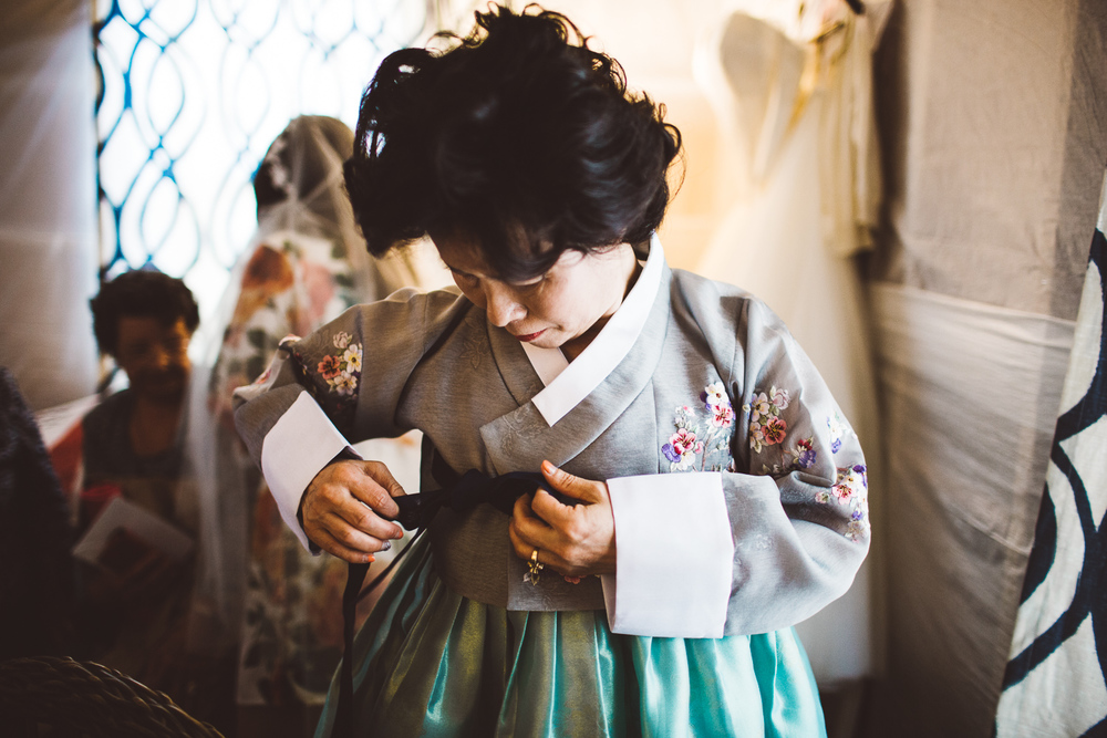 Waterloo-Village-Wedding-Outdoor-Chinese-Gowns-New-Jersey-Photographer-60.jpg