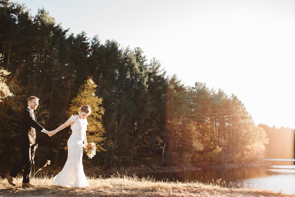 Boston-Elopement-Style-Wedding-Ceremony-Anthropologie-Photographer-Madly-04.jpg
