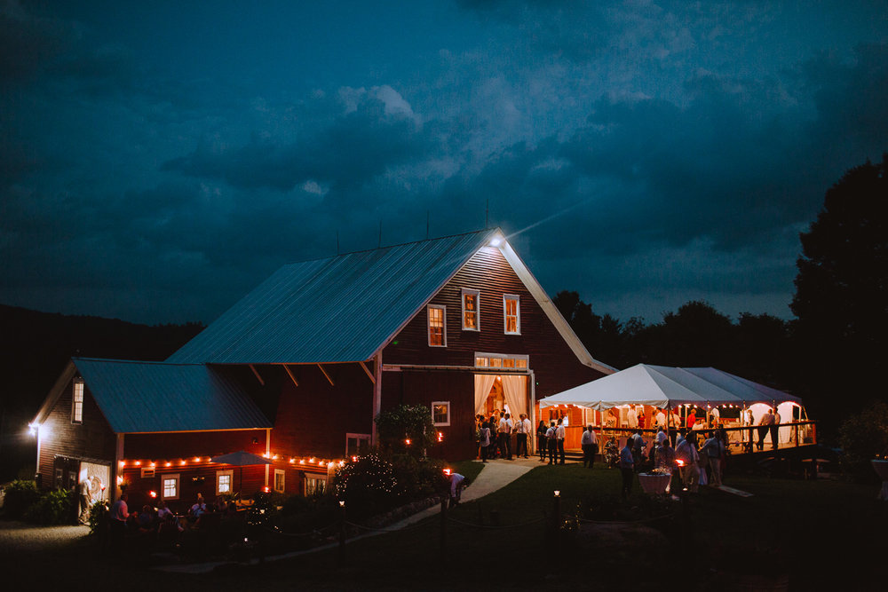 Artsy New Hampshire Wedding pHotographers