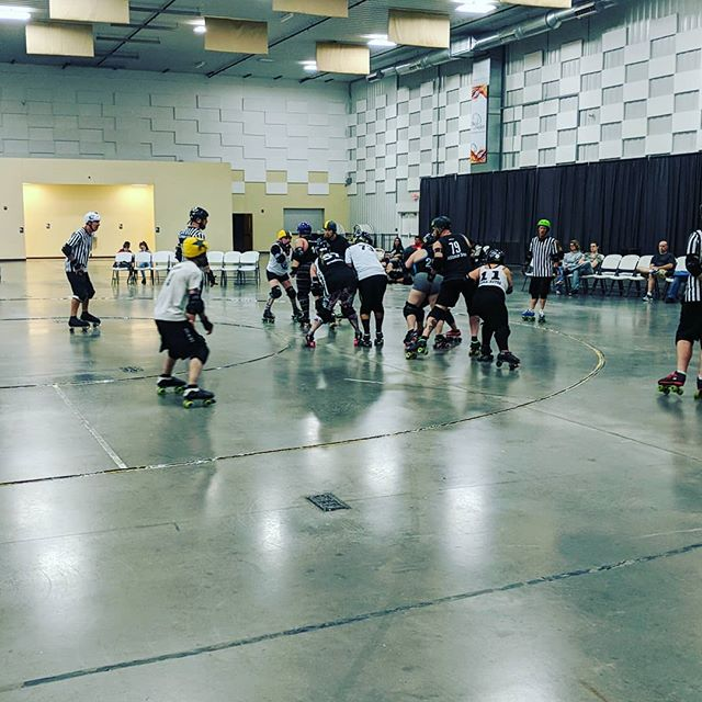 Scrimmage is under way to get the crowd warmed up for the main event against Western Kentucky Rockin Rollers