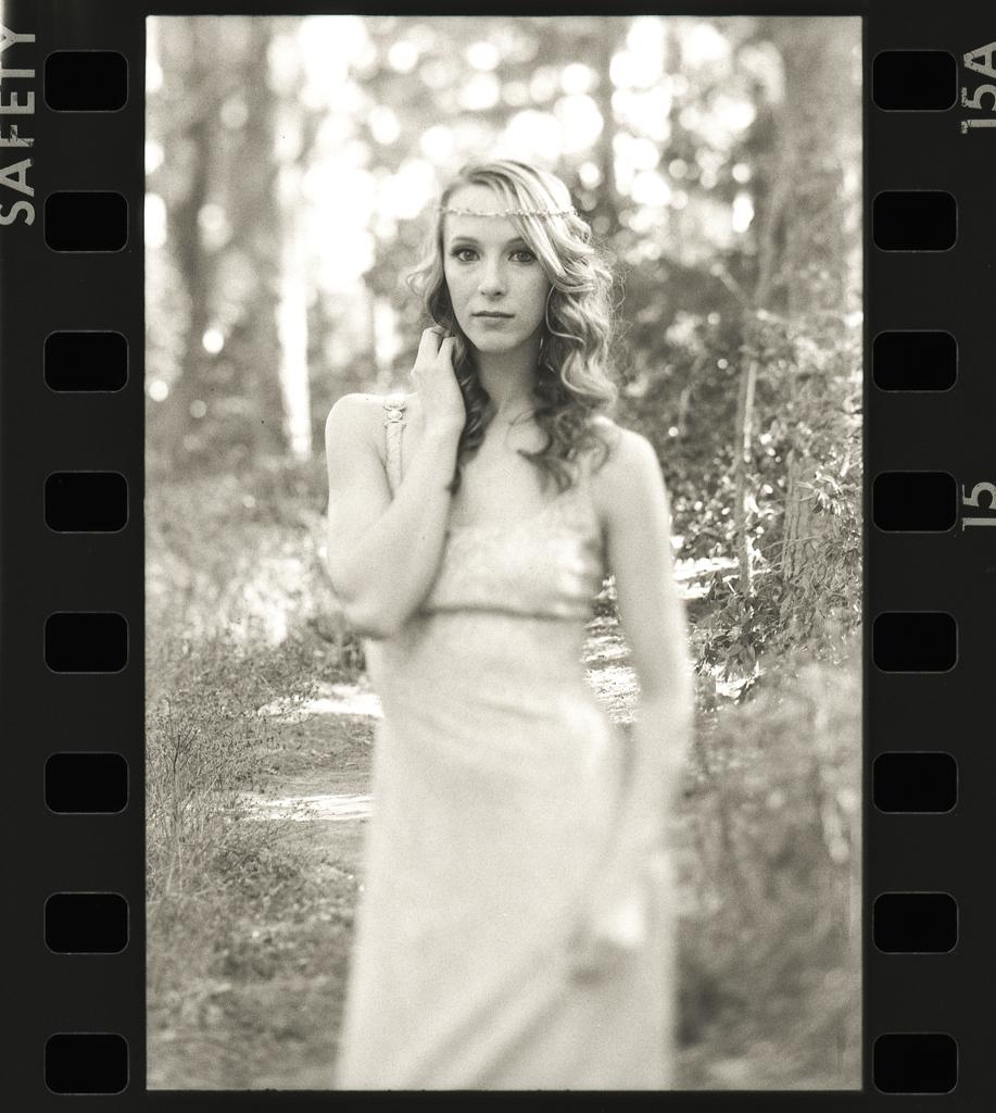Camera: Minolta 7  Lens: LensBaby Edge 80  Model:Nicolette Grenier