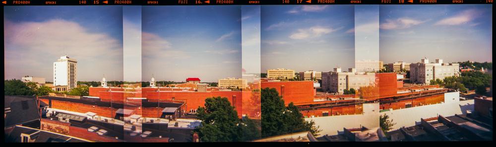 Camera: Holga 120  Film: Fuji 400H