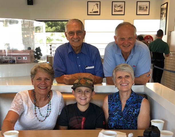 Paul's oldest sister Sandy, her husband Wayne, and grandson Ryder, surprised us Saturday after the conference and we enjoyed lunch together.