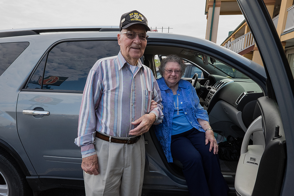 Mr. and Mrs. Barden, Mt. Vernon, IL 2015 10 07