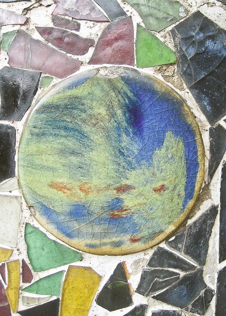 Mosaico en Pared en la parte exterior de Casa Bastlló