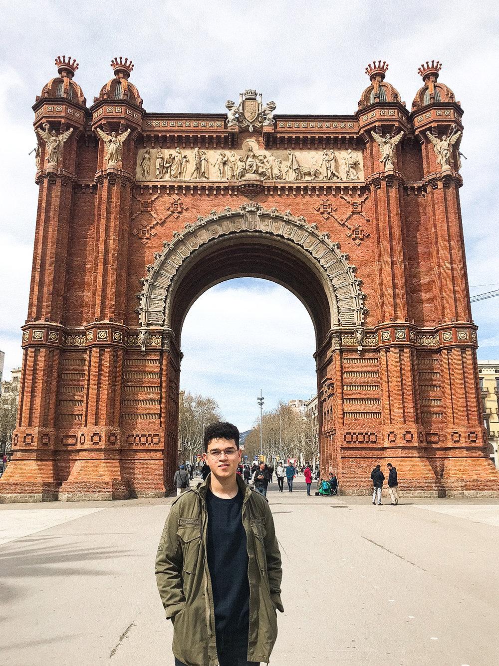 sheilaburgos-barcelona-arcodetriunfo.jpg