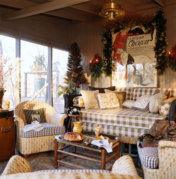 charles-faudree-porch-decorated-for-christmas.png