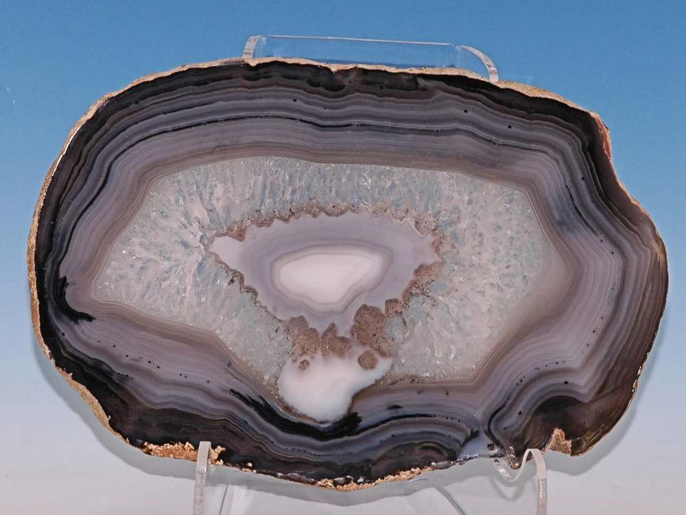 IMAGE SOURCE: Cathedral Geodes