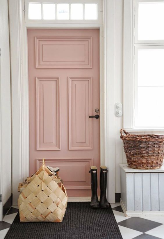 """Image: Sparkles and Shoes  The 2016 Color of the Year doesn't have to stay indoors. Why not bring a pop of pink to your front door for an unexpected and pretty """"welcome home!"""""""