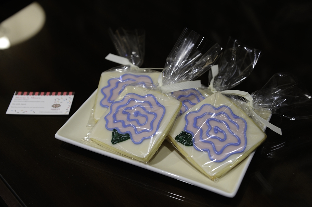 Mercia Moore of Sweet M's Designs created darling flower cookies for our guests.