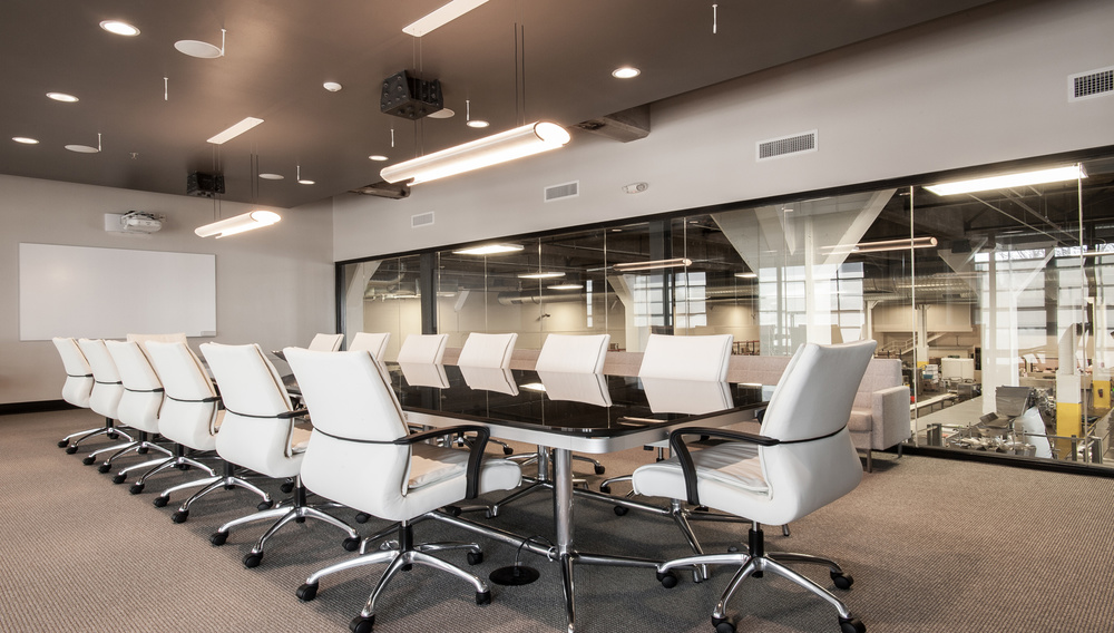 Photo: Anne Matheis Bissinger's sleek and contemporary conference room