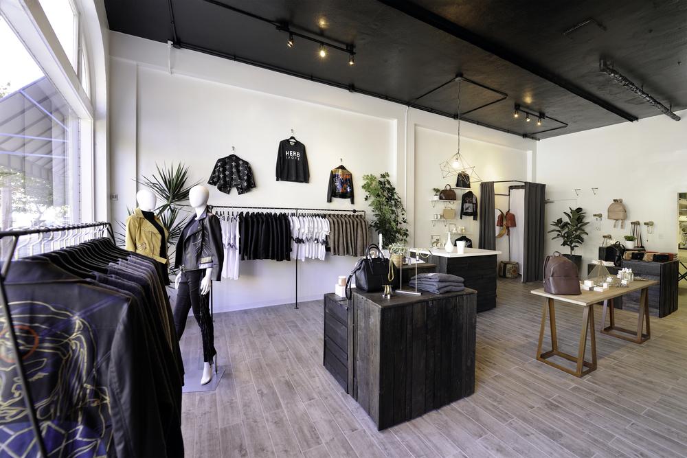 FAUXGERTY  Image: Michael Jacob Designer: Savvy Surrounding Style