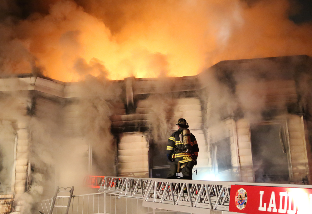 FIRE_AT_205_CHESTNUT_AVENUE_18905911.jpg