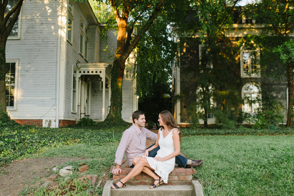 old-louisville-engagement-laurenwphotography-11.jpg
