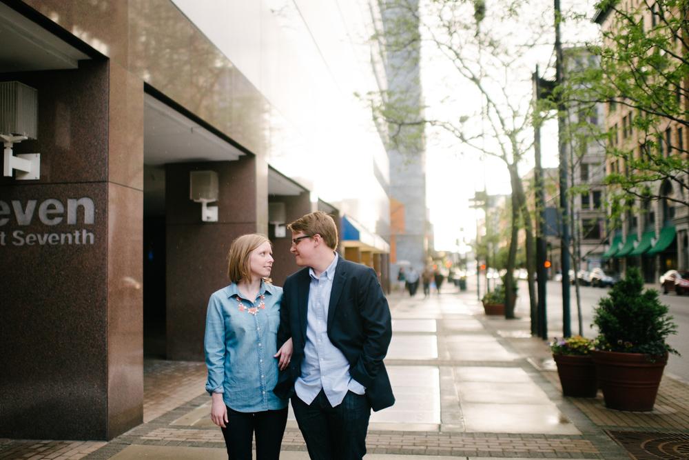 UrbanCincinnatiEngagement-LaurenWPhotography-21.jpg