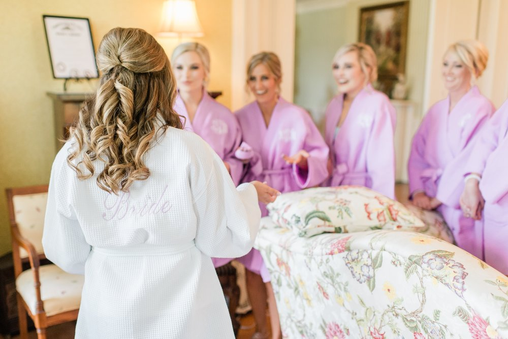 richwood on the river bridesmaids getting ready.jpg
