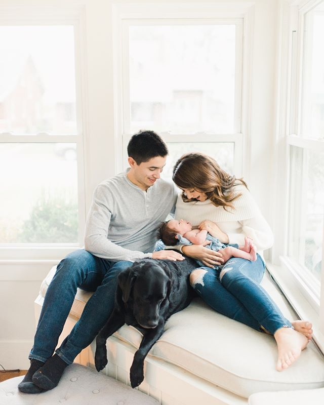 My girl @annakahern and her husband, Andy, just welcomed the most beautiful baby boy with the BEST newborn hair you've ever laid eyes on. I've never seen a newborn who needed their hair styled before. 😂😍 Their whole newborn session, with Drew's modern, neutral and blue nursery, is up on my blog today. The handy link is on my profile! ⠀⠀⠀⠀⠀⠀⠀⠀⠀ Head over to @annakahern to see more beautiful photos because she's a bomb photographer herself!