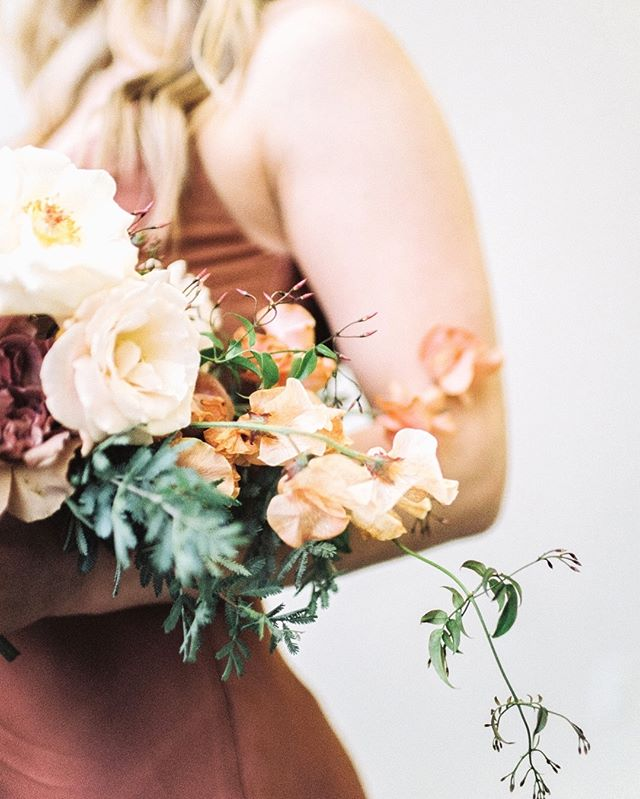 """""""Remember when you wanted what you currently have?"""" 🌿 In our fast paced culture that's so focused on looking to the next step (totally guilty), I always find this thought so humbling and refreshing. 🌿 What's something that always puts things into perspective for you? ⠀⠀⠀⠀⠀⠀⠀⠀⠀ Floral Host @rootsfloraldesign Gorgeous florals by @gradientandhue Model @smartash0_0 Taken in my studio @northlightcreativestudio Film Scan and Develop by @photovisionprints"""