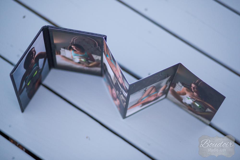 rochester-4x8-boudoir-studio-book-7.jpg