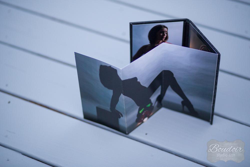 rochester-4x8-boudoir-studio-book-8.jpg
