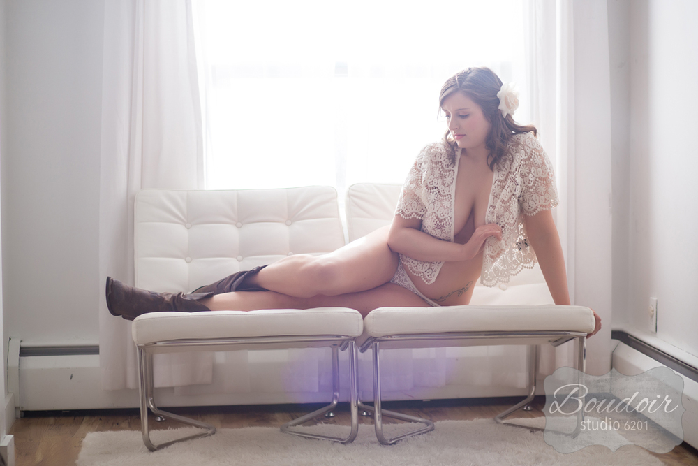 boudoir-photography-rochester-k16-007.jpg