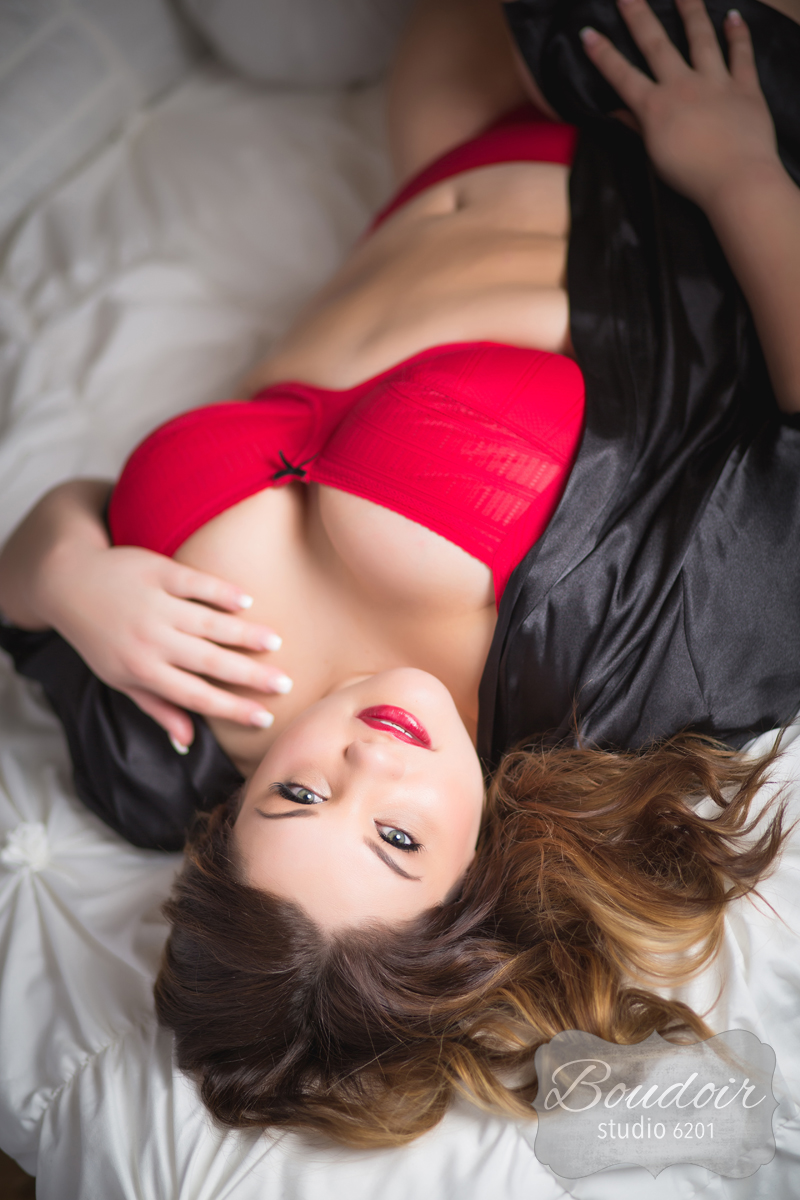 Beautiful-boudoir-rochester012.jpg