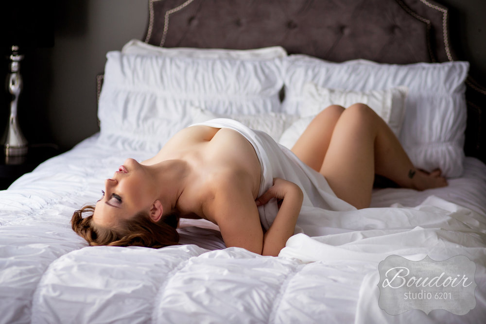 boudoir-studio-6201-summer-in-the-sheets008.jpg