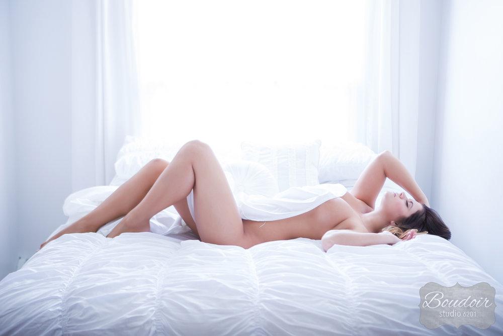 boudoir-studio-6201-summer-in-the-sheets030.jpg