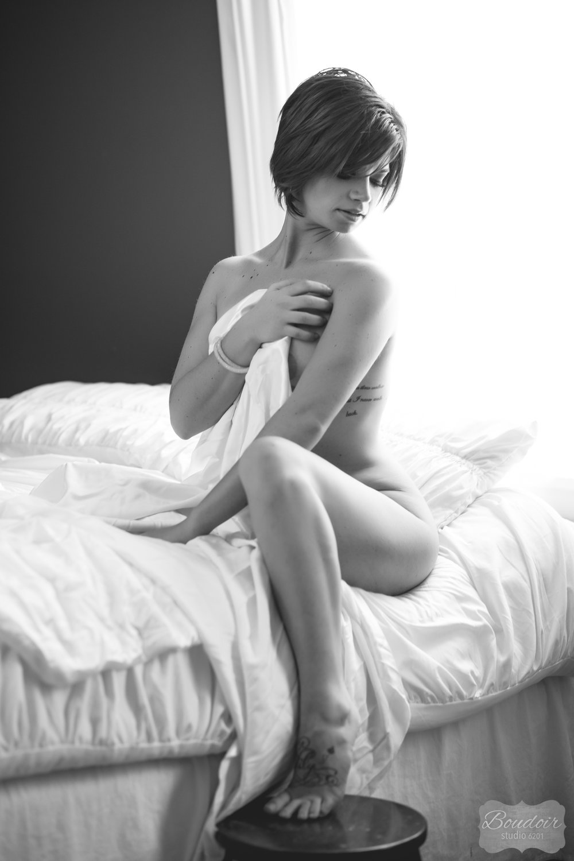 boudoir-studio-6201-summer-in-the-sheets053.jpg