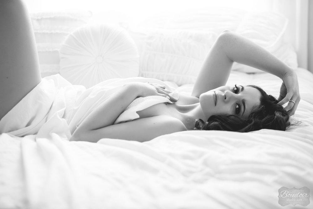 boudoir-studio-6201-summer-in-the-sheets133.jpg