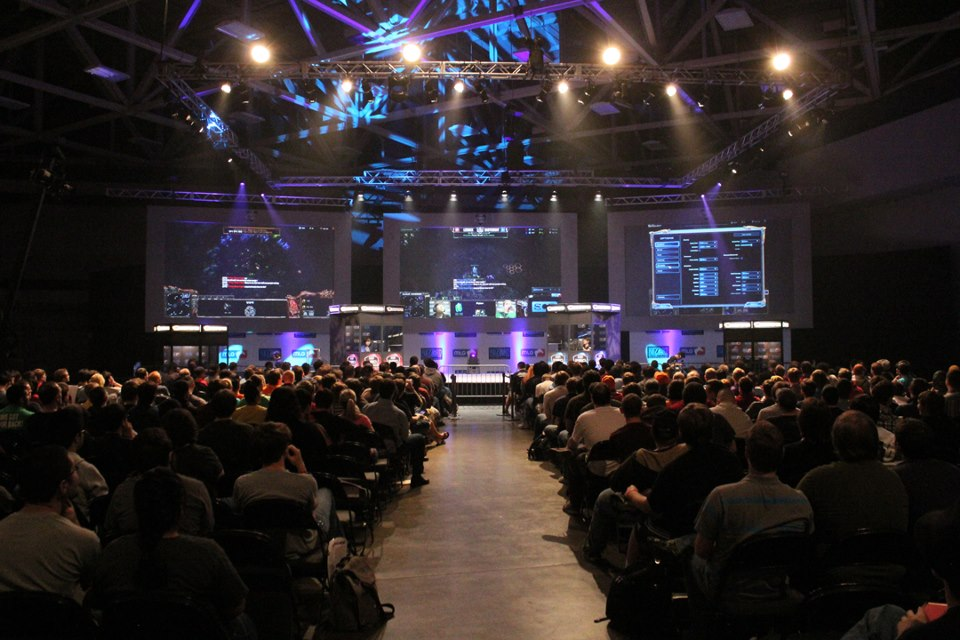 The Games, the Audience, and the Performance   A look at studying video games as a performative media through means of focusing on the StarCraft II franchise and the rise of eSports.