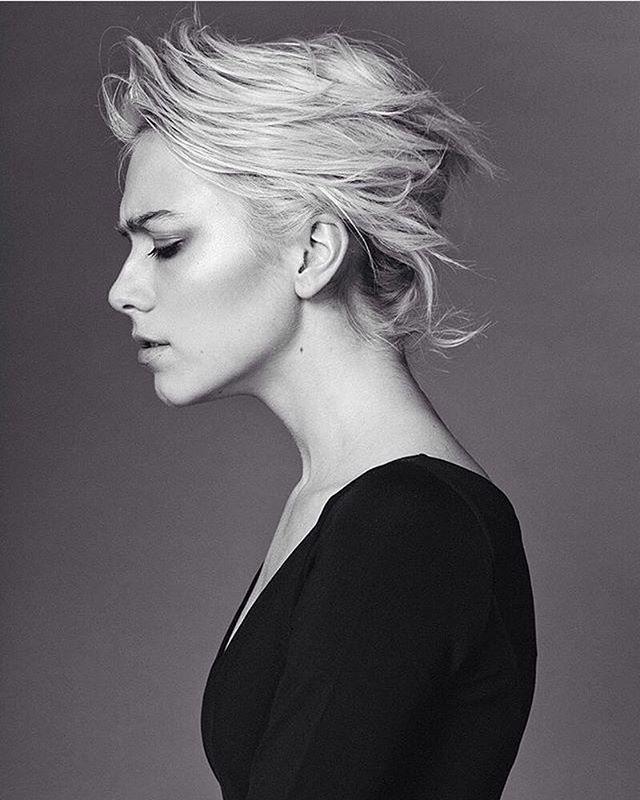 Amanda S @angiesmodelstoronto @specsmodels #photographer @imalexevans #hair using @bumbleandbumble #bumbleandbumble dry spun and brilliantine / #makeup using @maccosmetics