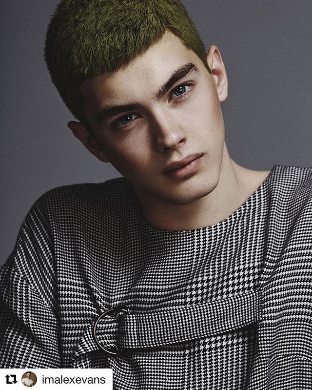 #Repost @imalexevans ・・・ New editorial featuring up and coming #malemodels from @EliteToronto 📸✨ #model Riley Dorland styled by @nellyakbari, groomed by @nikolamua. Photography by Alex Evans. Hair using @love_kevin_murphy color bug / @tweezermanca