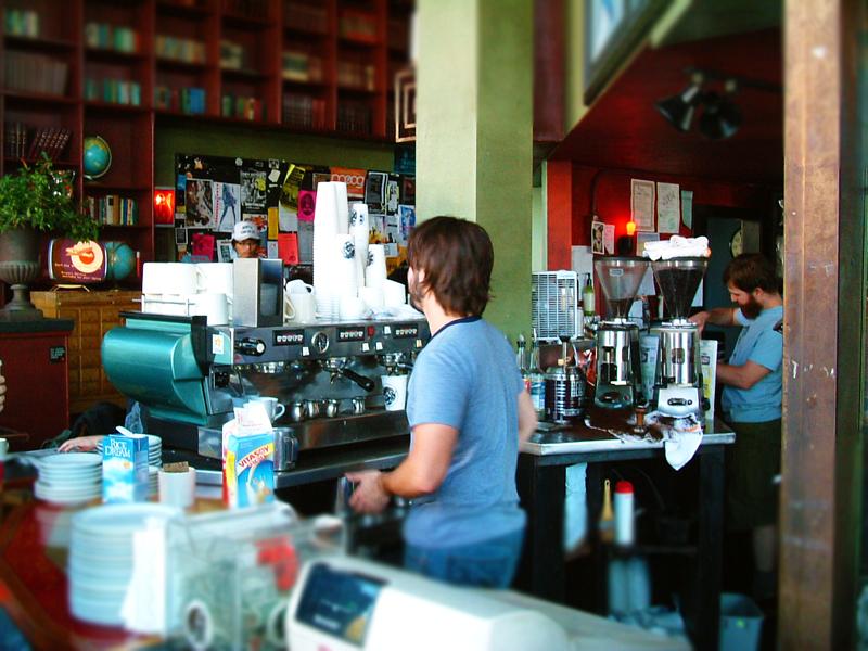 当時の自分にはヨダレが出るほど羨ましいカフェの光景でした。 シアトルのお店をまわるたびに、自分に力とヤル気が充填されていった記憶があります。