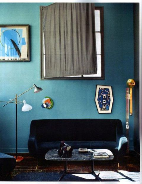 Blue, blue and more blue. We love how varying tones of blue work together to create a harmonious yet interesting space.  ( Design Milk ).