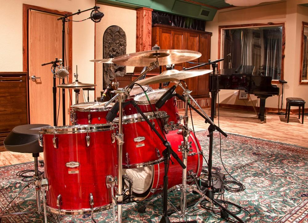 studio_gal_drums2.jpg