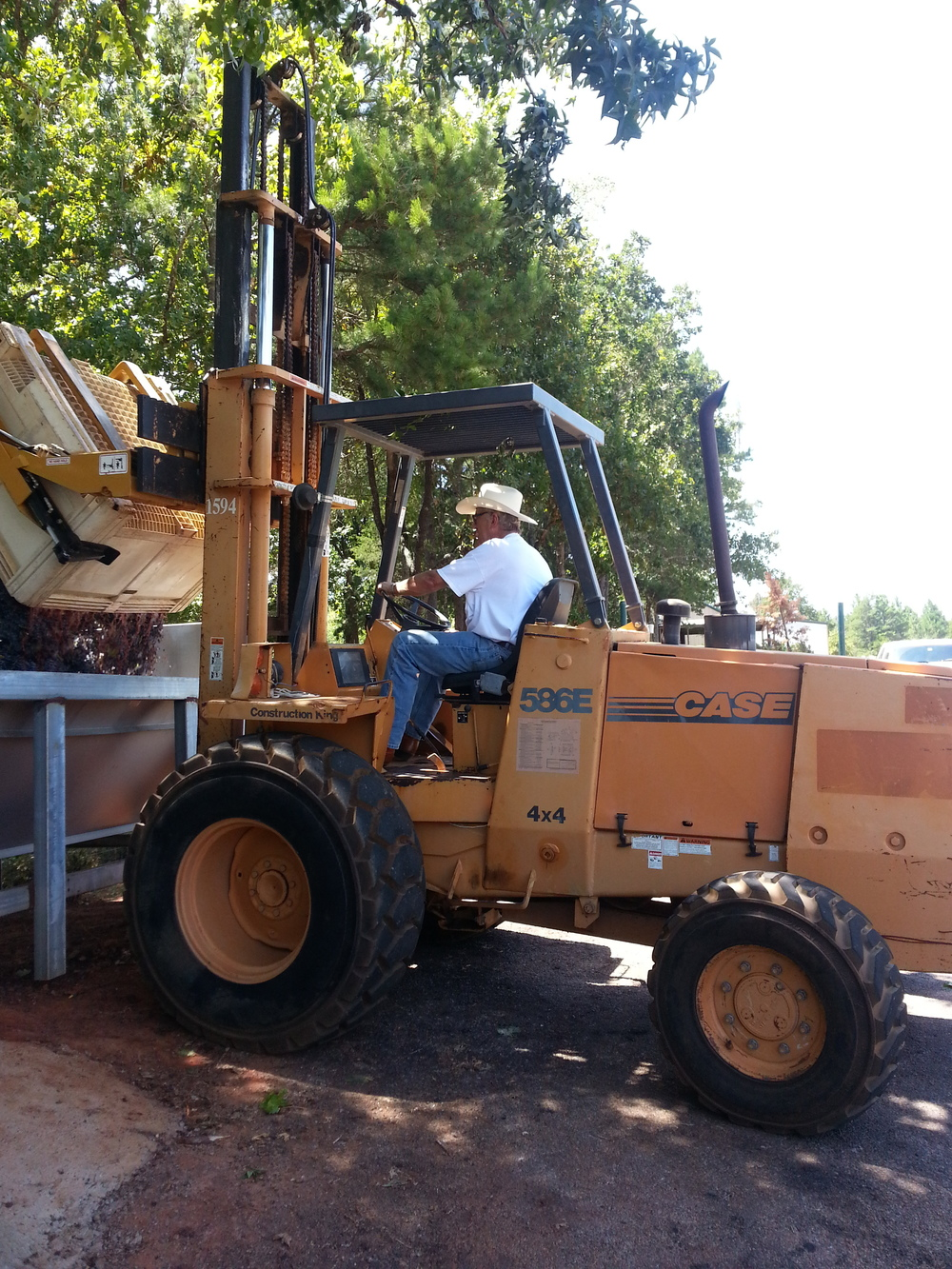 blog_wine_forklift.jpg