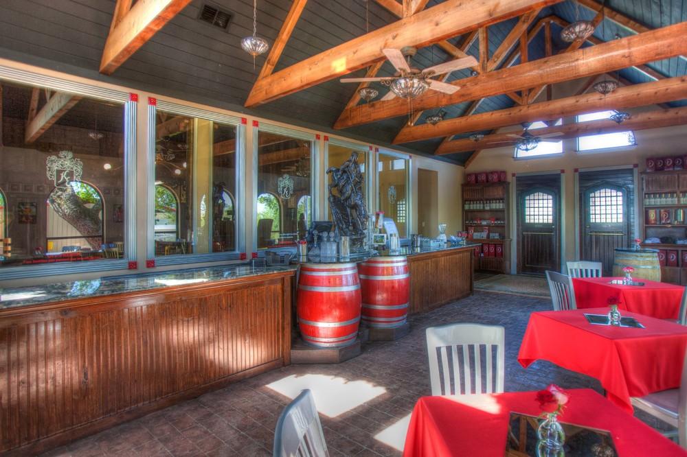 distillery_tasting_room_5012.jpg