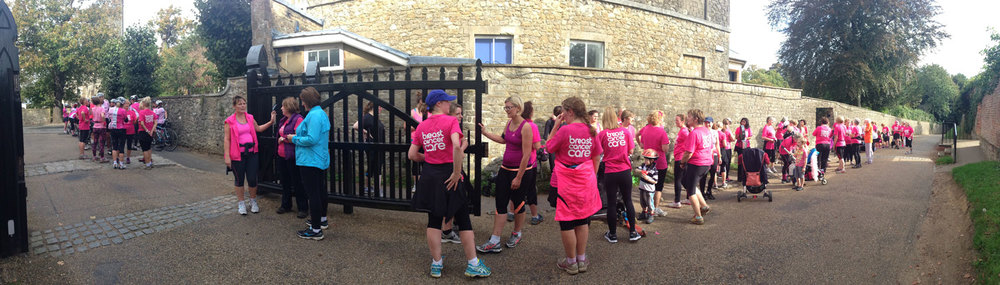 The girls getting ready to run through town, some with prams.... and a peloton of the Kent Velo Girls