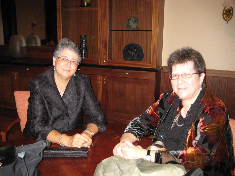 Susan & Luz_0579.JPG