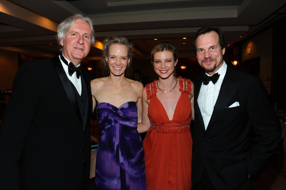 James Cameron, Suzy Amis, Amy Smart & Bill Pullman