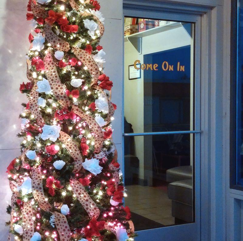 Southland-Restaurant-Valentines-Tree
