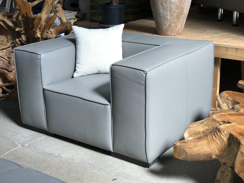 beau monde chair. Blue Moon Furniture. Artista show home furniture.jpg