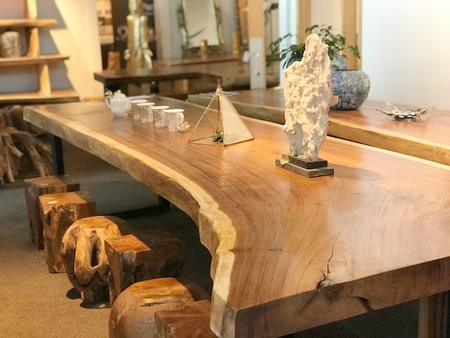 Our Majestic Live Edge Dining tables are all crafted from single slabs of thick wood.