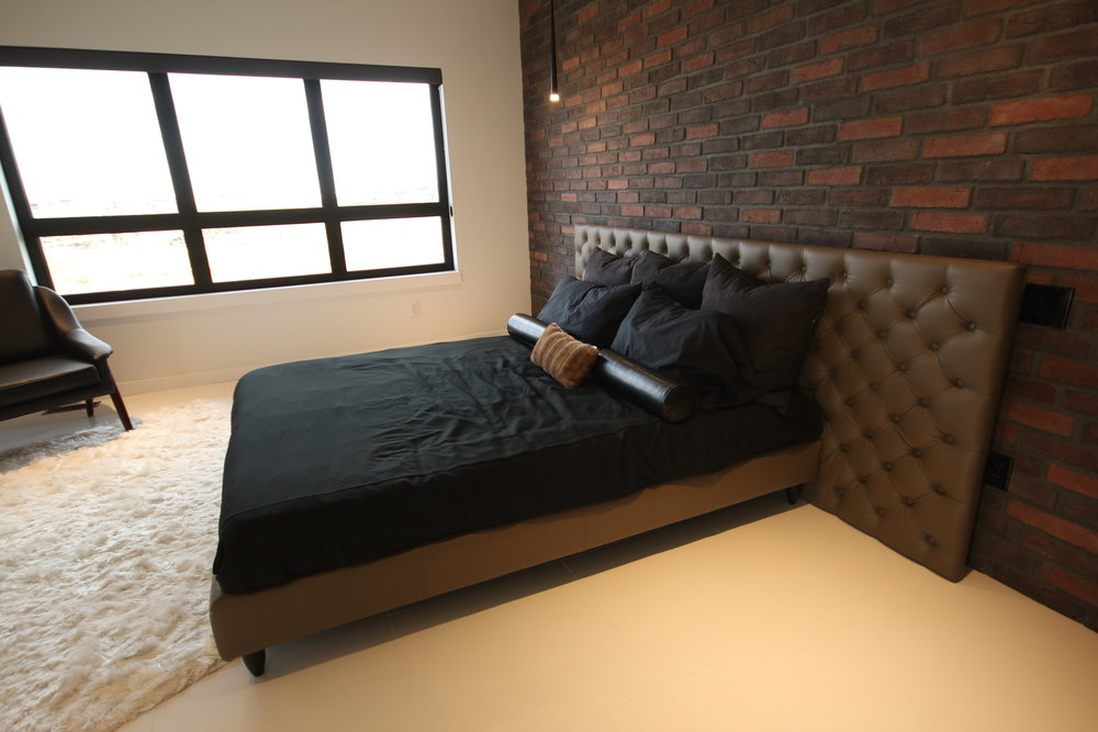 Mario bed king size with tufted leather headboard